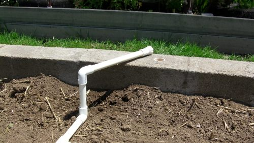 This connection can swing in any direction for the water hose connection.