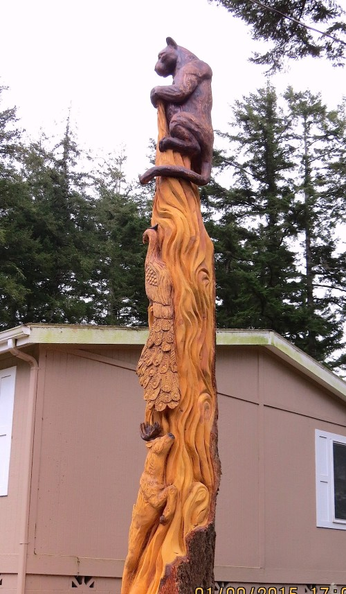 Side view of the totem shows how tall it is.